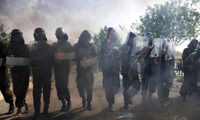 Attack on Iran's paramilitary base kills 1, wounds 5