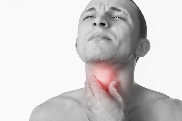 How to detect early signs of throat cancer?