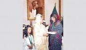 PM gives Tk 2.5m for Alauddin Ali's treatment