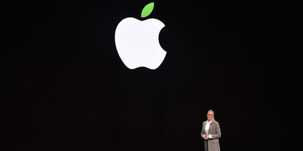 Apple replacing retail boss as pressure on for sales