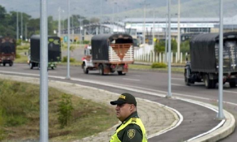 Venezuela crisis: Aid lorries stuck in Colombia border city