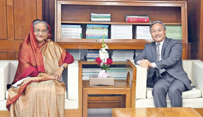 World Bank Country Director Qimiao Fan makes a farewell call on Prime Minister Sheikh Hasina