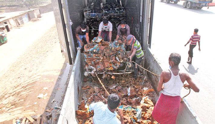Ctg Customs starts destroying undelivered goods