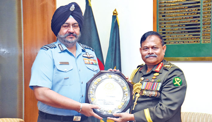 Indian Air chief meets army chief