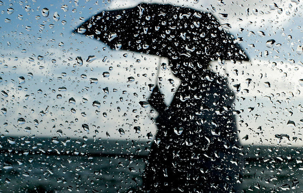 Met office predicts rain until Sunday morning