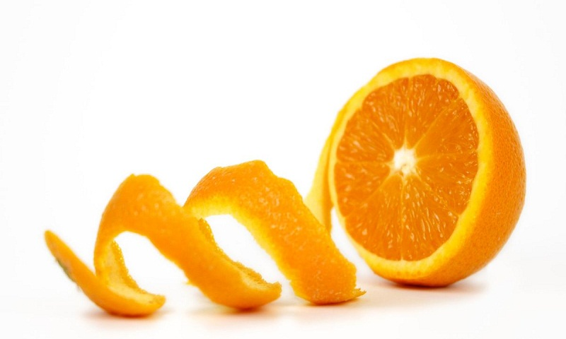 Consuming orange peel can boost your total intake of nutrients
