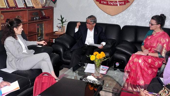 UNFPA team meets Dhaka University Vice Chancellor