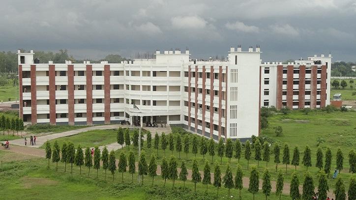 3 Rokeya University students injured in water tank fall