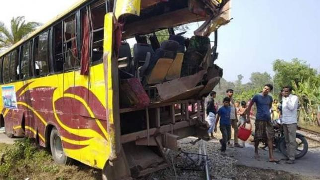 13 injured  as train rams picnic bus in Chattogram