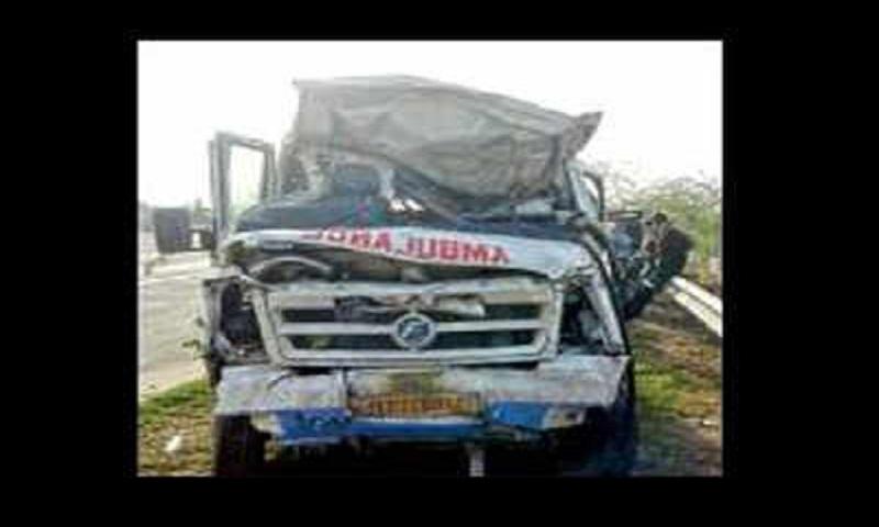 Seven killed on Yamuna expressway in Mathura as ambulance driver 'dozes off'