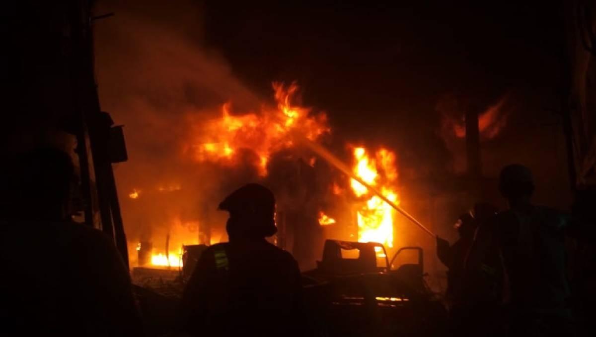 Case filed over Chawkbazar fire