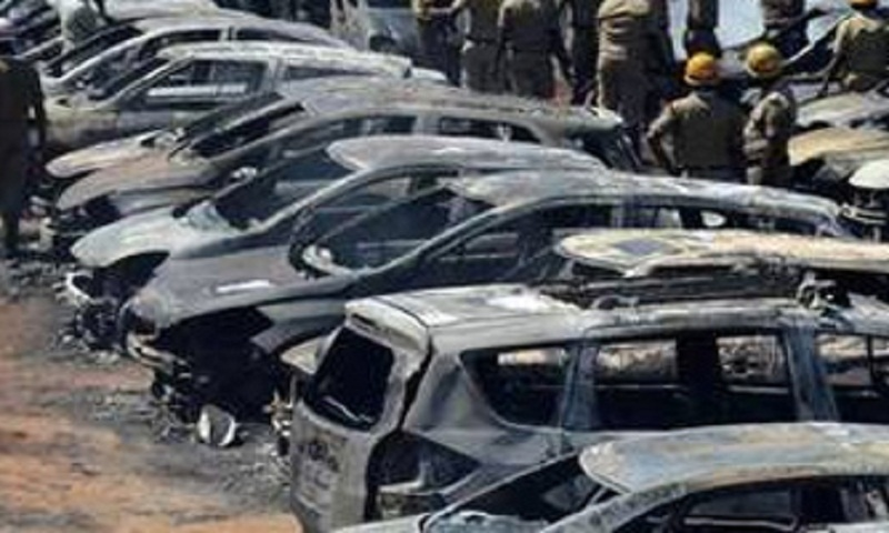 Blaze in Aero India parking area guts 300 cars