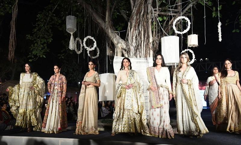 Fashion designers, actors celebrate 100 years of Khadi
