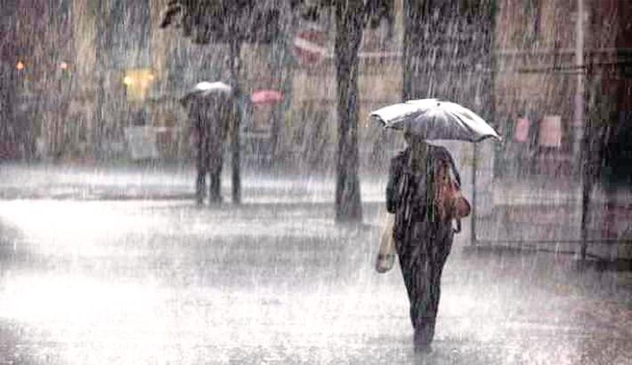 Heavy rain cripples Khulna