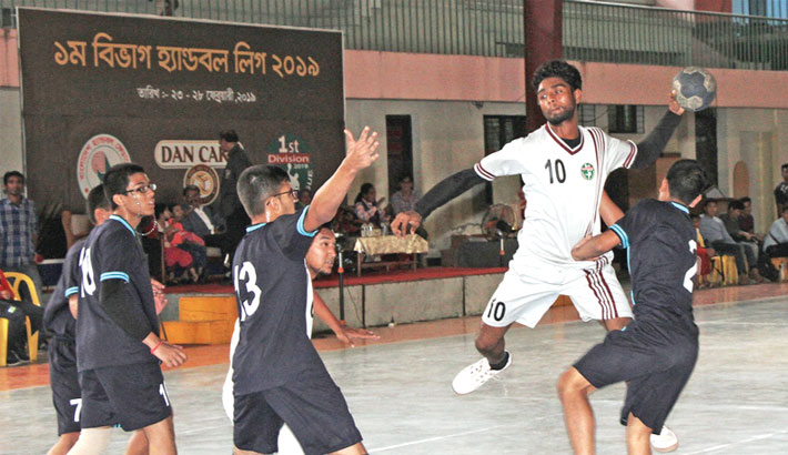 Players of Flame Boys Club and Jurain Janata Club vie for the ball during the final of First Division Volleyball League 2018-2019