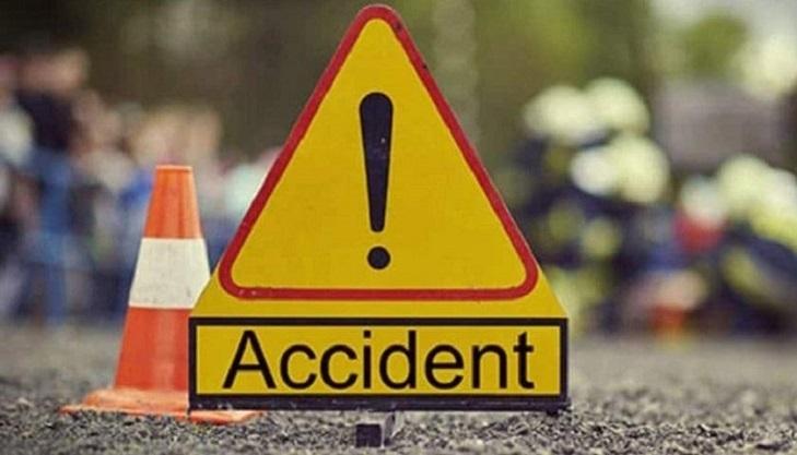 Covered van driver killed in Cumilla road crash