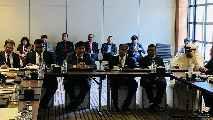 Foreign Minister Momen meets top investors, business leaders in Dubai