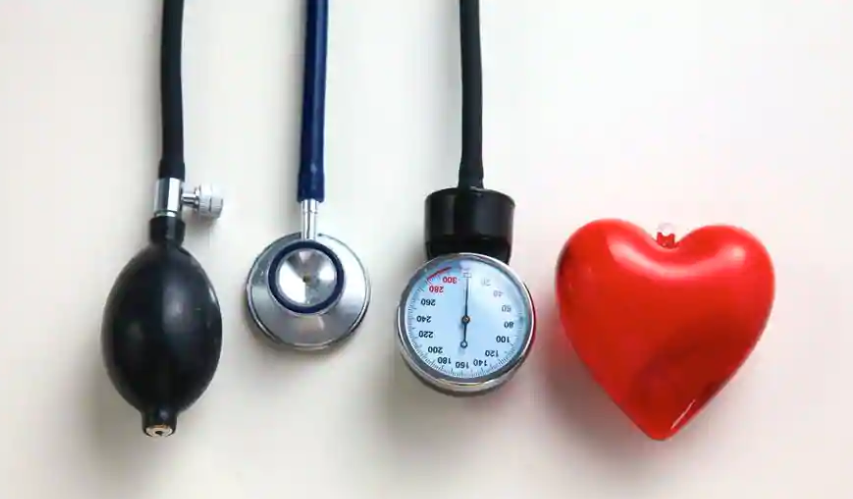 Don't ignore heart attack symptoms while travelling