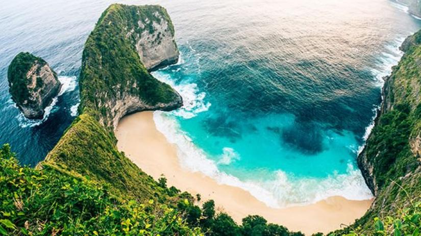 Bali to impose $10 tourist tax