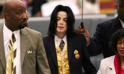 Three Quebec radio stations stop playing Michael Jackson songs