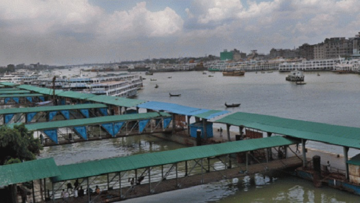 6 of a family missing as boat capsizes in Buriganga