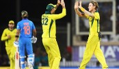 Kohli's 41st ton goes in vain as Australia snatch victory by 32 runs in 3rd ODI