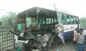 2 killed as picnic bus crashes into truck in Bagerhat