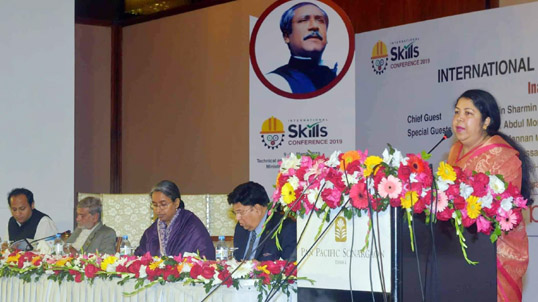 No alternative to skilled manpower to face global challenges: Speaker