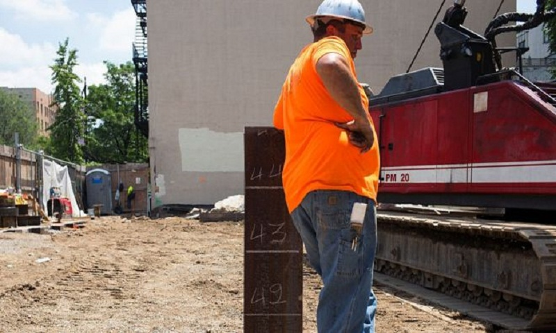 US jobs shock as growth slows