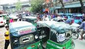 Illegal bus stops cause traffic jam