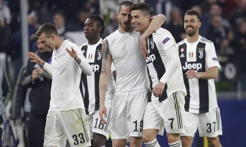 Ronaldo nets hat trick to send Juventus into CL quarters