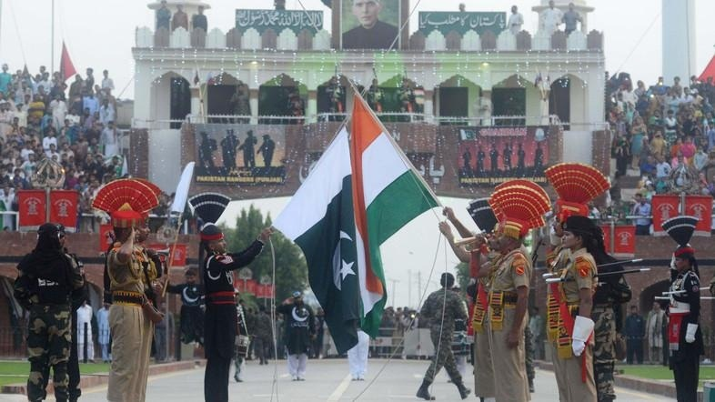 India, Pakistan officials meet to discuss border opening