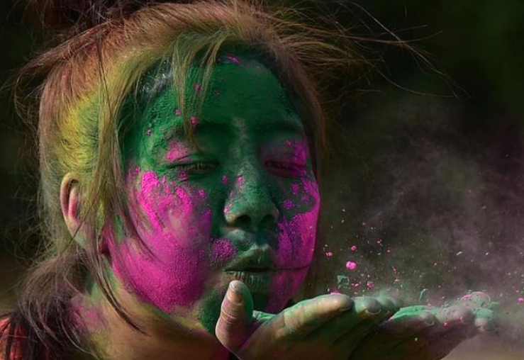 Make natural colours for eco-friendly Holi