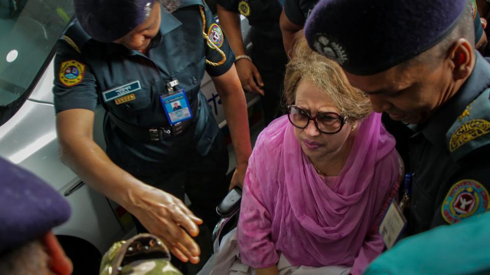 Cumilla arson case: Govt files petition seeking stay on Khaleda's bail