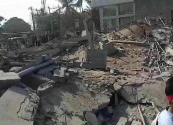 2 dead in building collapse in Karnataka