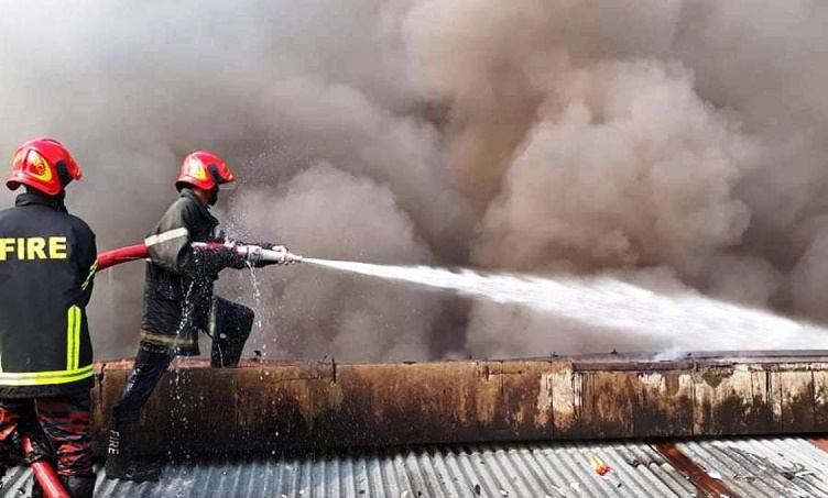 Fire at Singer warehouse in Chattogram