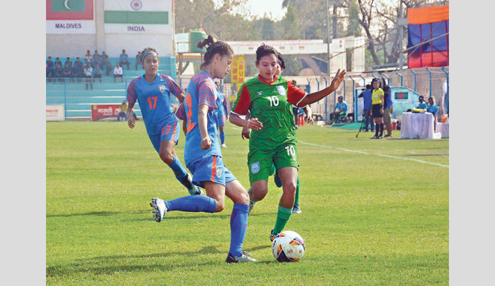 India crush Bangladesh's final dreams