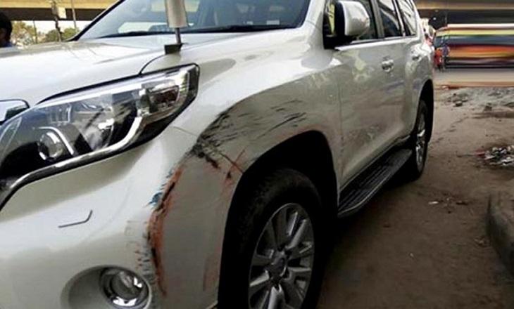 Bus hits Menon's private car, driver has no license