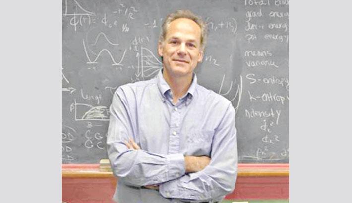 Physicist Marcelo Gleiser: 'Science does not kill God'