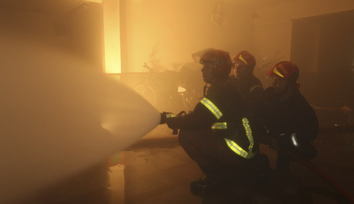 Fire doused at high-rise building near Dhaka New Market