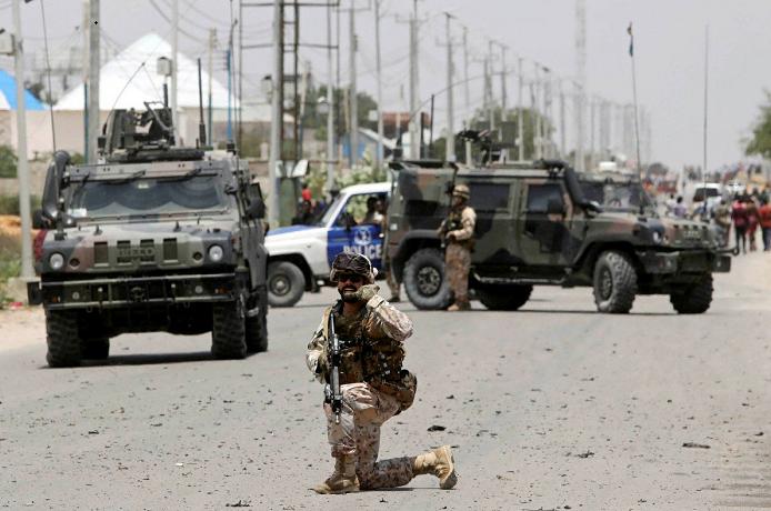 Gunmen storm Somalia govt building after suicide car bombing