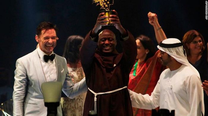 Kenyan teacher who gives away 80% of his salary is awarded a $1M global prize