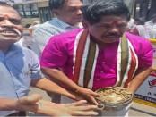 Indian Lok Sabha candidate pays Rs 25,000 poll nomination deposit in coins