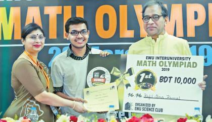 Winner of the 'Inter-University Math Olympiad-2019' receives