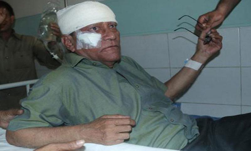 Injured Singer Khurshid Alam flown to Dhaka