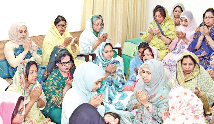 Prime Minister Sheikh Hasina along with others offers munajat at Dhanmondi 32