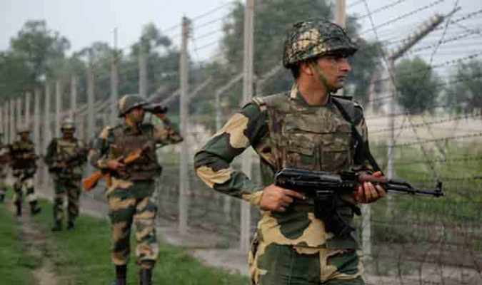 7 Pakistani posts destroyed As Indian Army retaliates to ceasefire violations