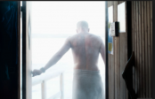 Naked policeman arrests fugitive in sauna