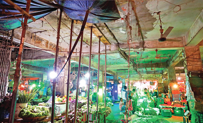 Traders face risk of life