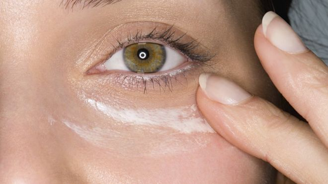 Missing eyelids when using SPF moisturiser increases 'cancer risk'